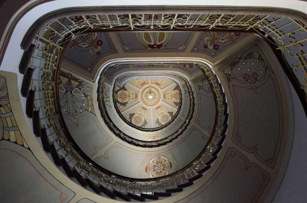 2009 yılında açılan Riga Art Nouveau Museum binasının merdivenleri…