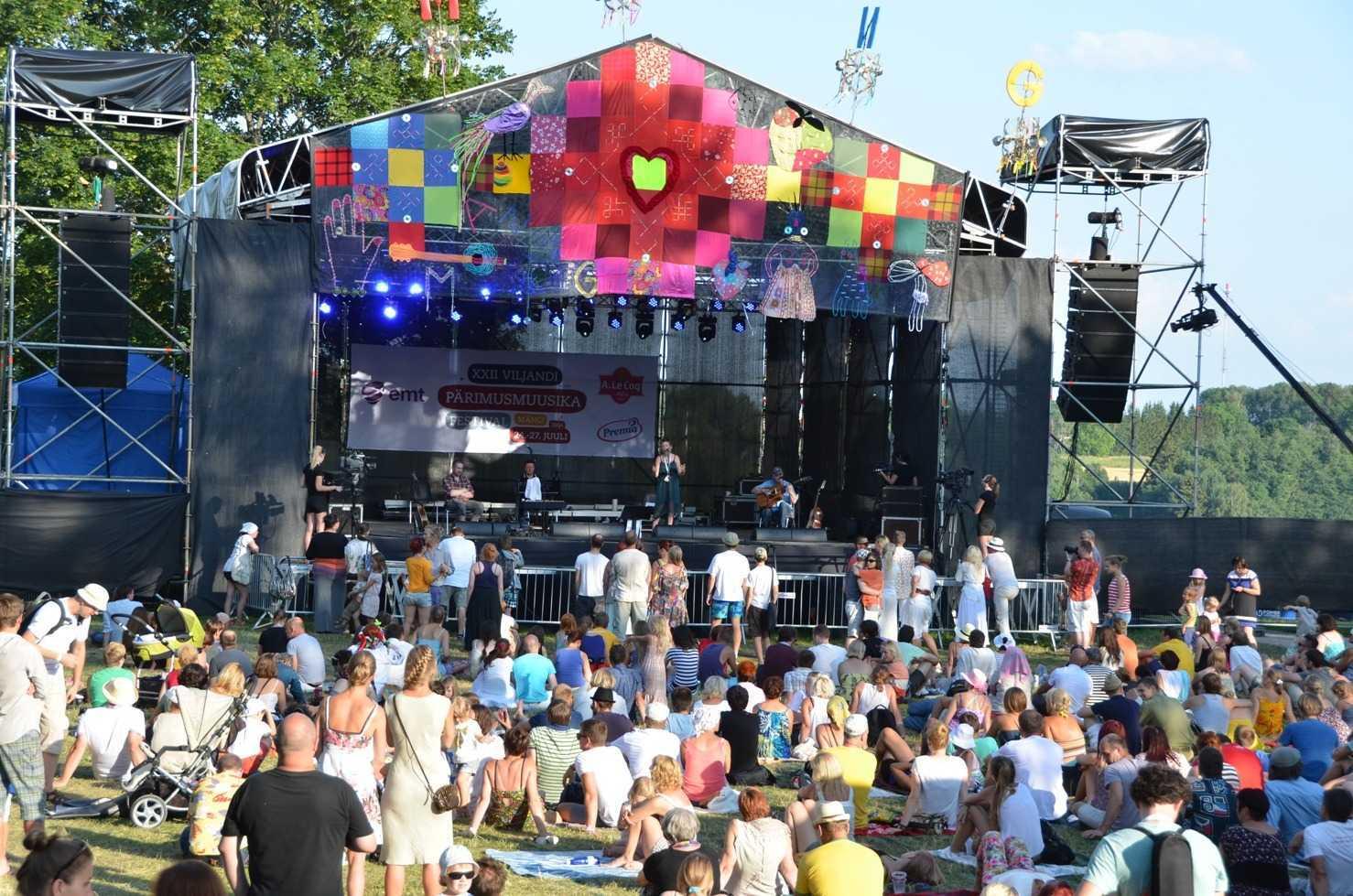 Estonya'nın en büyük müzik festivali Viljanfi Folk Müzik festivalinde Danú grubunun konseri…