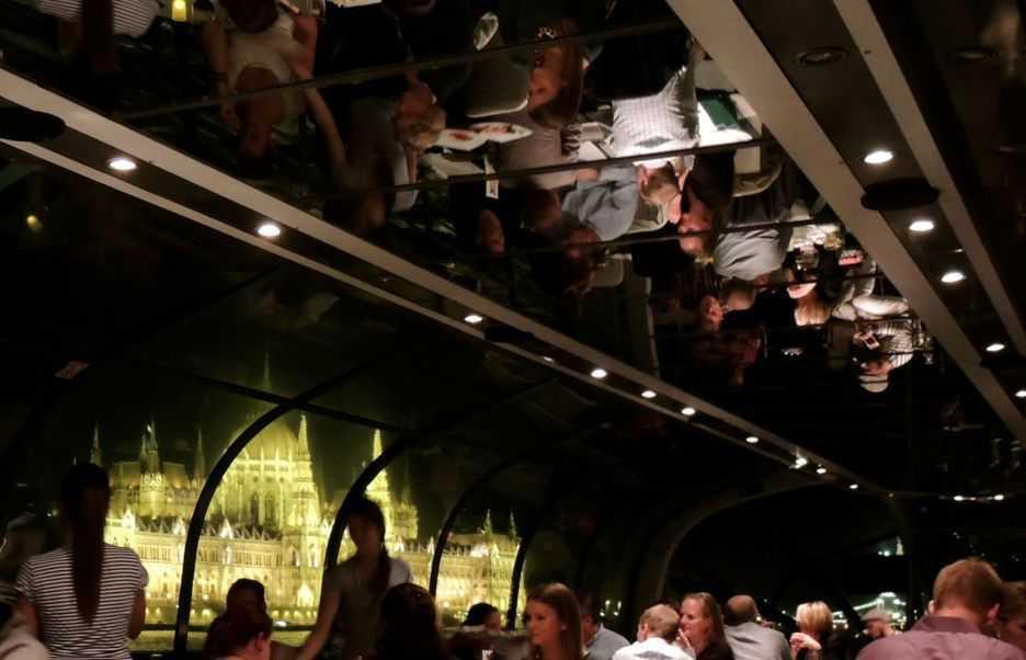 February-Candlelit-Dinner-Cruise-Budapest-Legenda-Boat