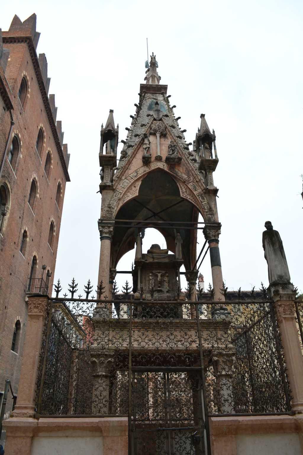 Scaliger Mezarları