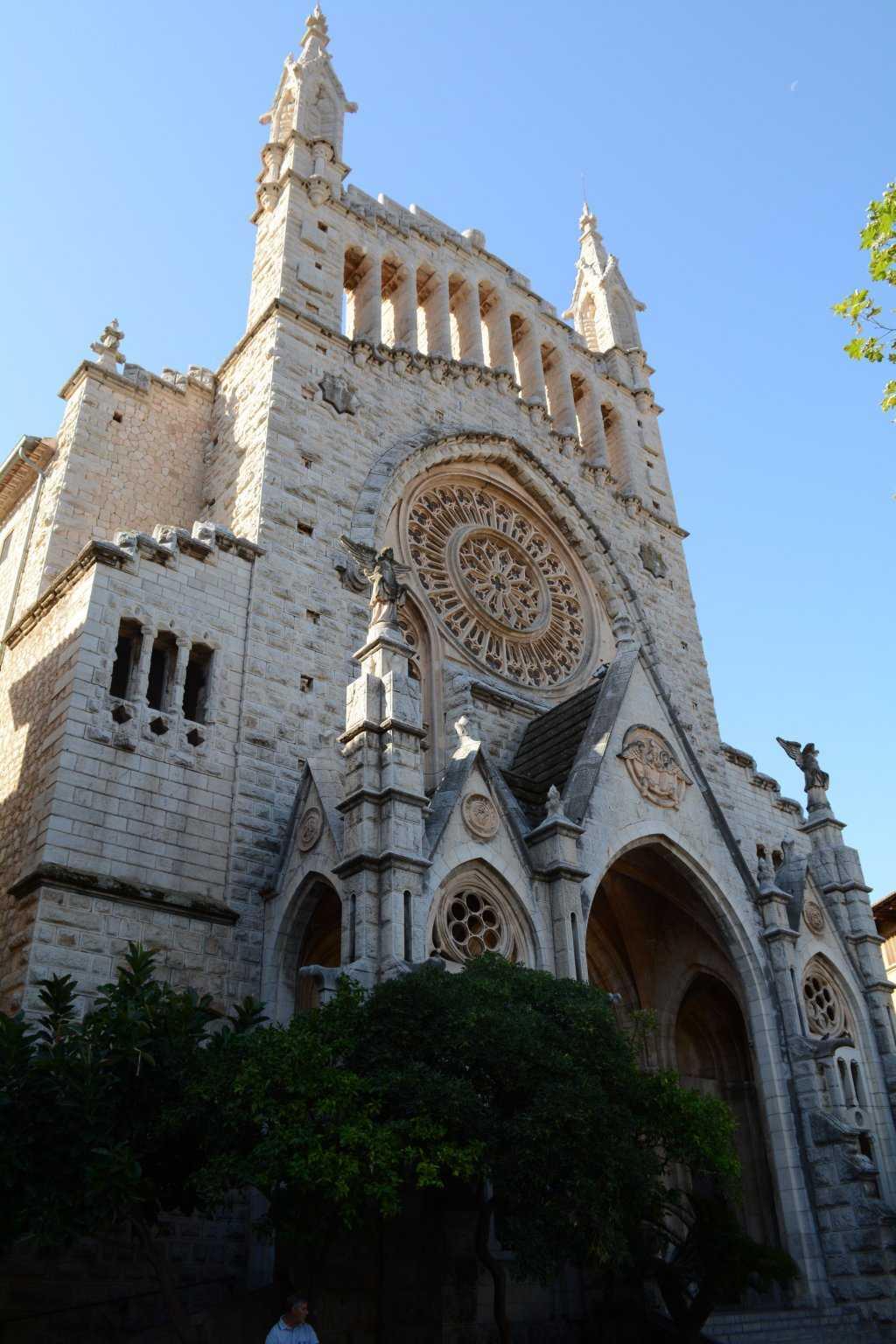 Sant Bartomeu Kilisesi