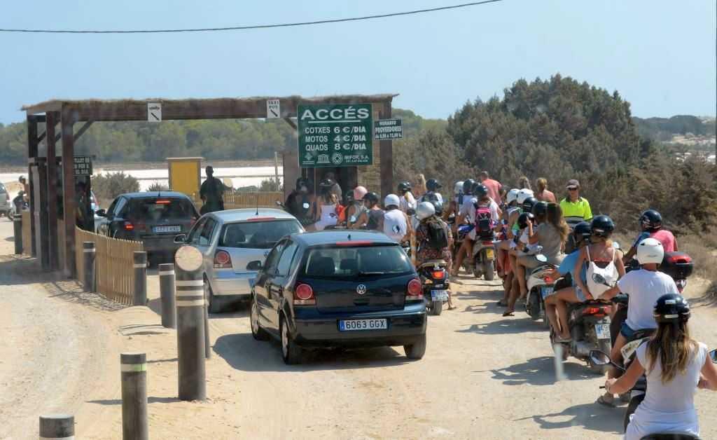 Playa de ses Illetes Plajı giriş fiyatları