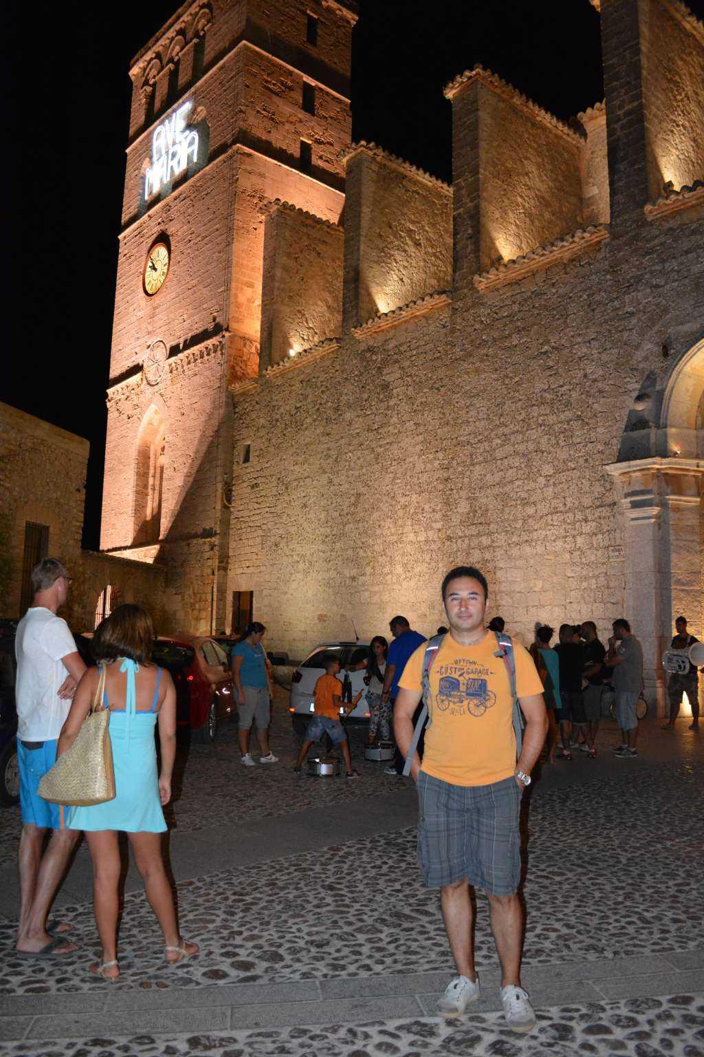 Katedral Meydanı