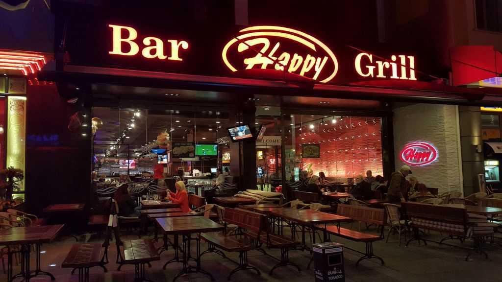 Knyaz Aleksander I Caddesi ve çevresi - Happy Grill Bar