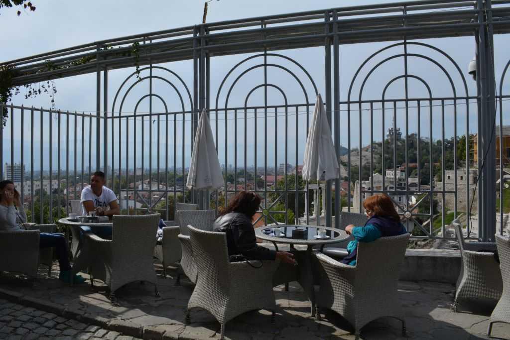 Ancient Roman Theatre yanında güzel bir cafe...