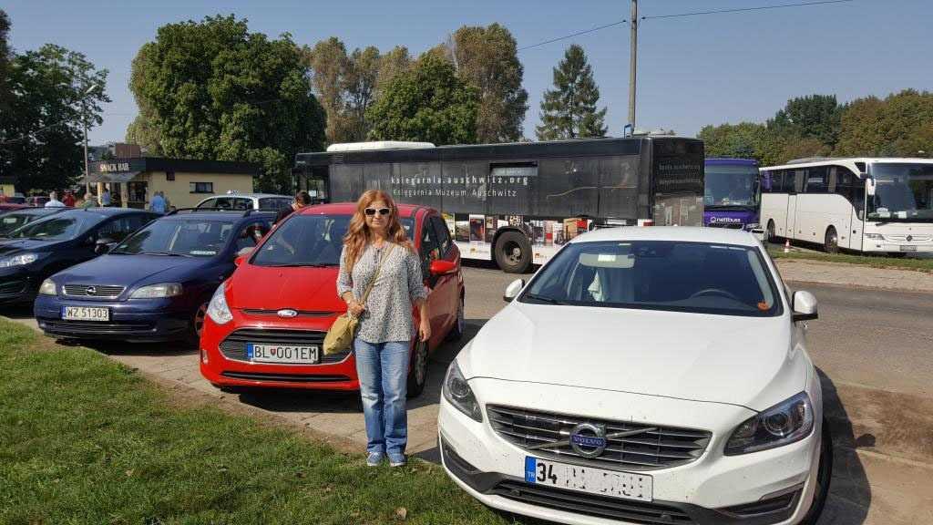 Auschwitz Müze girişindeki otoparka arabamızı park ettik...