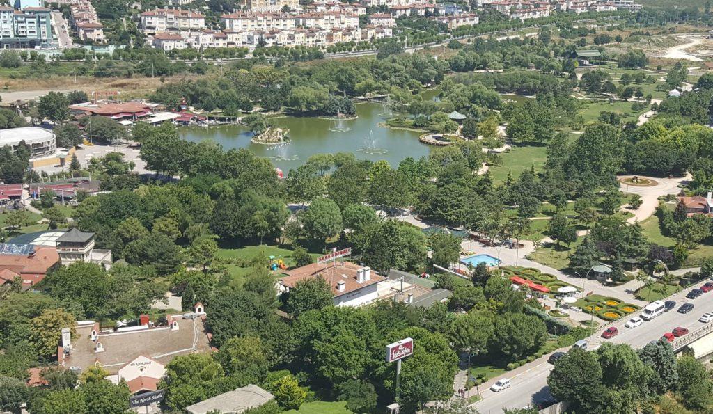 Bahçeşehir Gölet Park