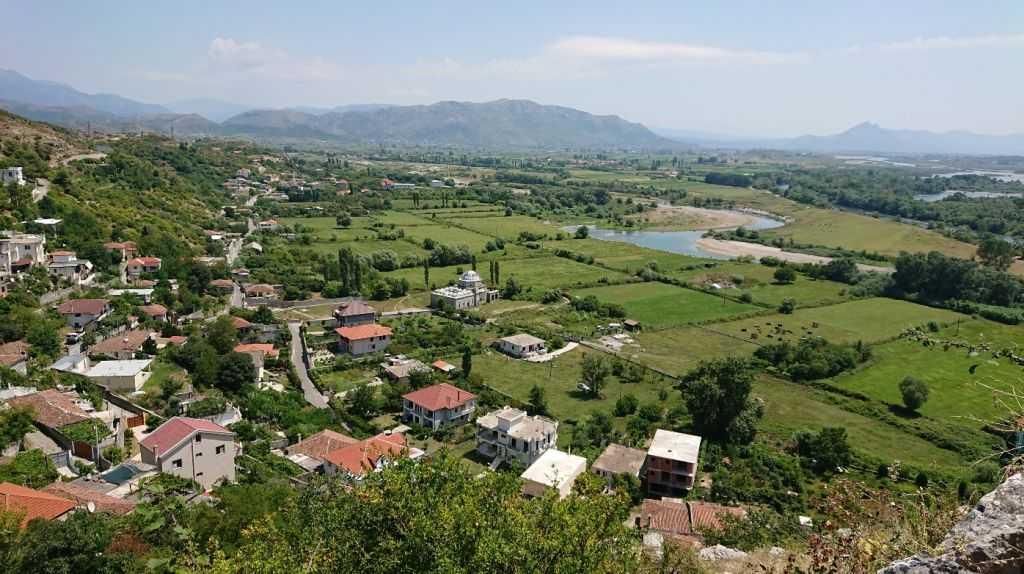 İşkodra, Arnavutluk (Kurşunlu Cami görülebir)