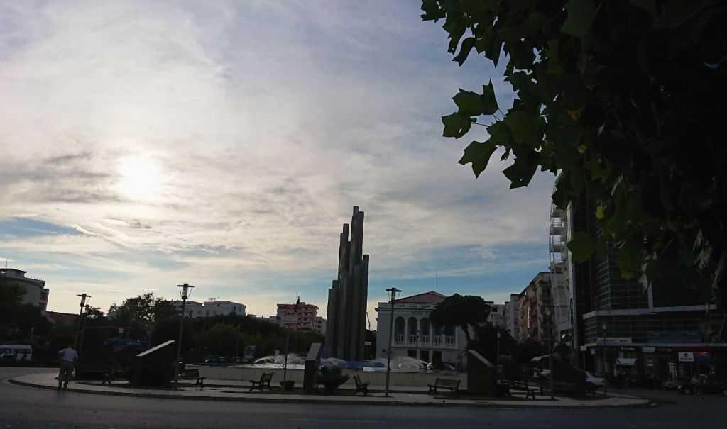 Beş Kahraman Meydanı, İşkodra, Arnavutluk